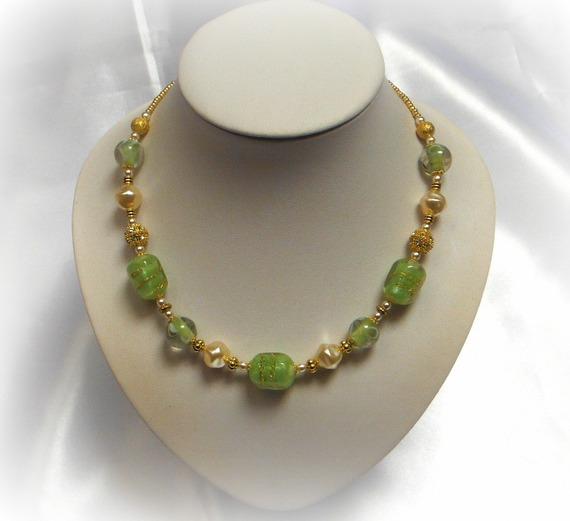 VERENA - Collier tendres couleurs vert et ivoire