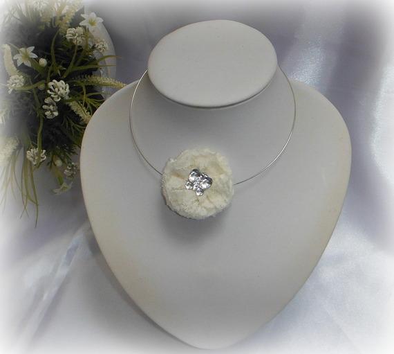 JUDITH - Collier ras de cou fleur dentelle ivoire