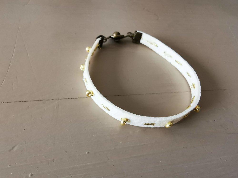 Bracelet collection CUIR EFFECT  couleur blanc cassé et or
