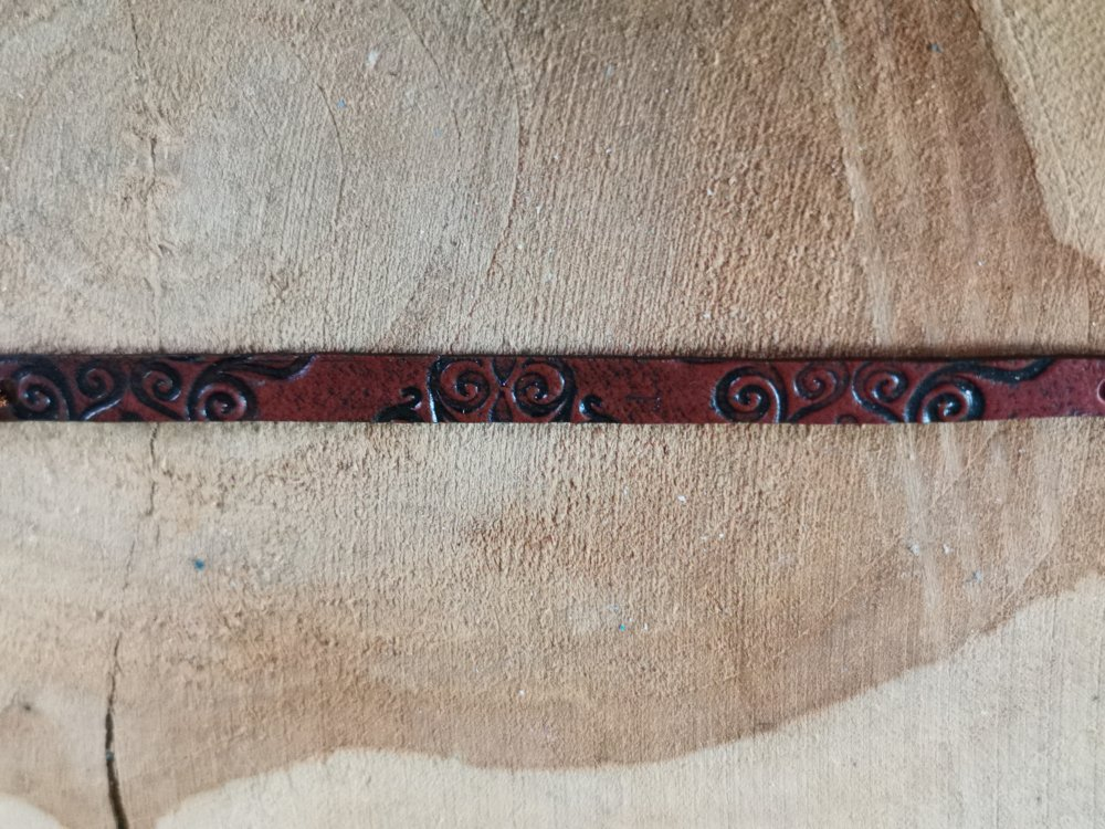 Bracelet mixte Homme /femme collection CUIR EFFECT  couleur marron impression arabesques