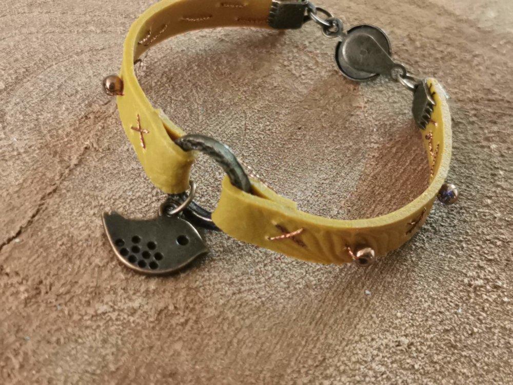 Bracelet collection CUIR EFFECT  couleur moutarde