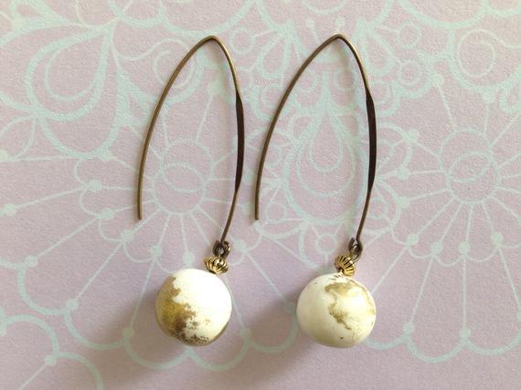 Boucles d'oreilles VIP blanches et or en pâte polymère