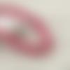 2 fils de 65 perles rondes 7mm à 9mm en bois couleur fuchsia a rayures