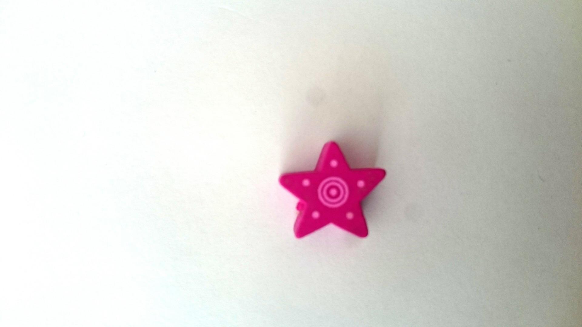 Perle étoile fushia bois