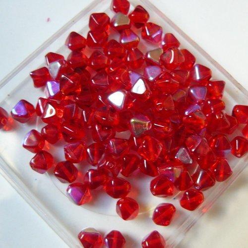 50 Perles bicones double pyramide 6 mm Couleur Bleu avec une face Argent