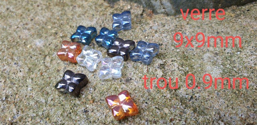10 perles mixte en verre fleurs