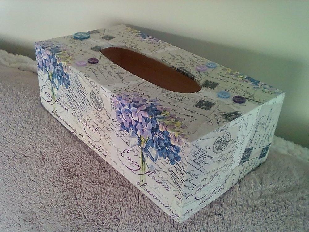 """Boîte à mouchoirs en bois  """"Hortensias/cartes postales"""""""