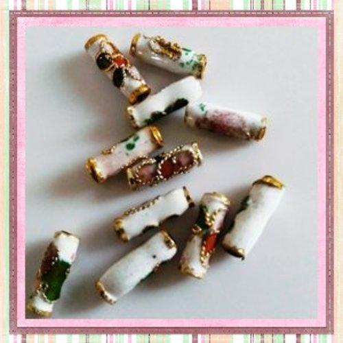 X10 perles tubes cloisonnées blanches fleuries 10mm