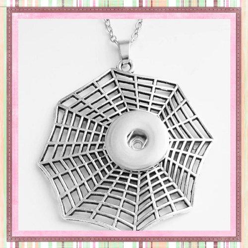 Collier pendentif grande toile d'araignée pour bouton pression