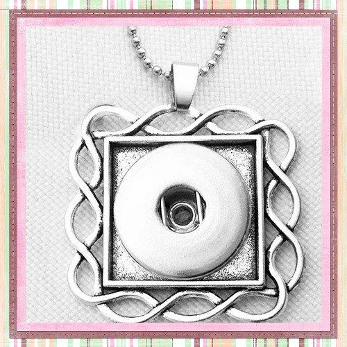 Collier pendentif carré pour bouton pression