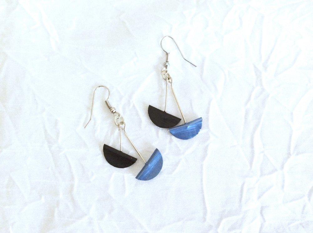 Boucles d'oreilles Demi lune bleu