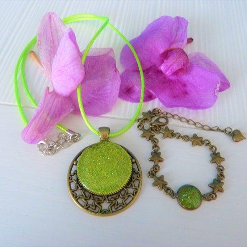 Parure : pendentif + bracelet en resine
