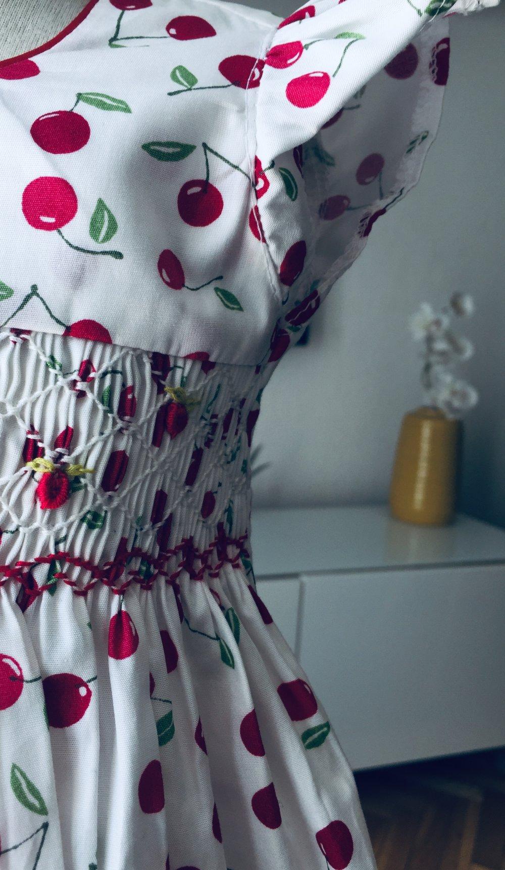 Robes à smocks à  Cerise
