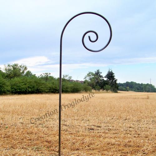 Tuteur en acier110 cm,diamètre 8 mm,décoration de jardin,aménagement de jardin,fait main, création troglodyte,