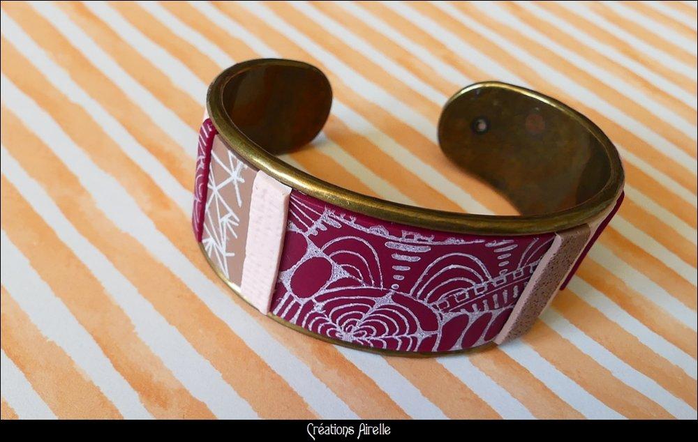 Bracelet ouvert en polymère bordeaux / taupe à motifs