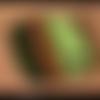 Pendentif en polymère vert marrons jaune à motifs