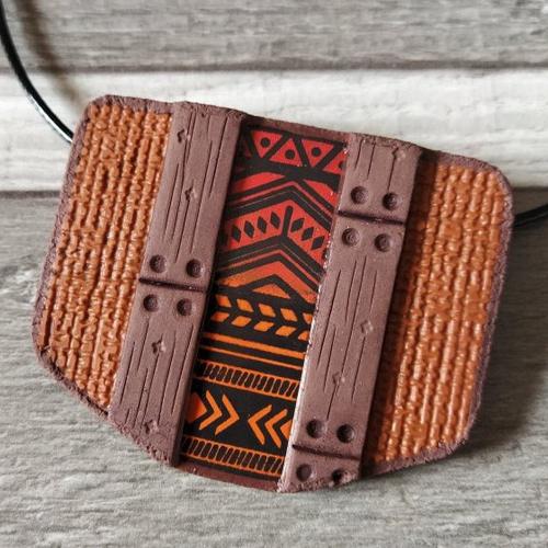Pendentif en polymère marron rouge orange motifs mexicains