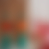 Boucles d'oreilles hexagonales orange et turquoise avec grands pompons