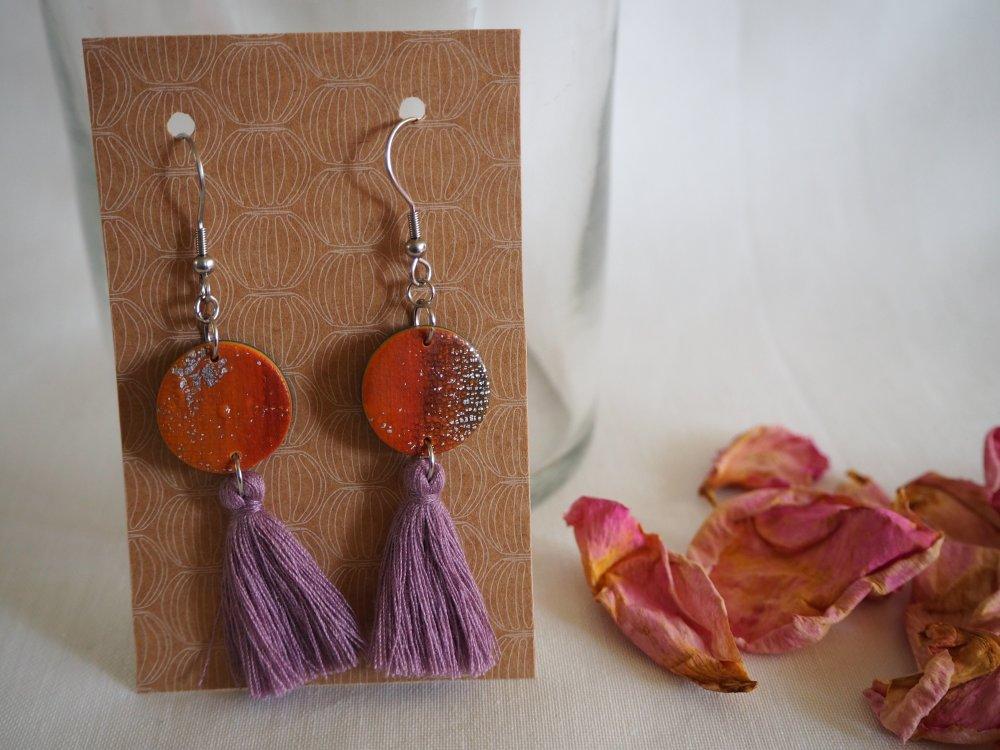 Boucles d'oreilles rondes avec grands pompons - Orange & Parme