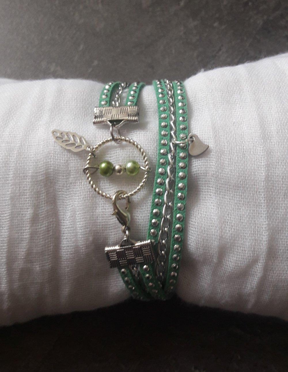 Bracelet en suédine vert à strass