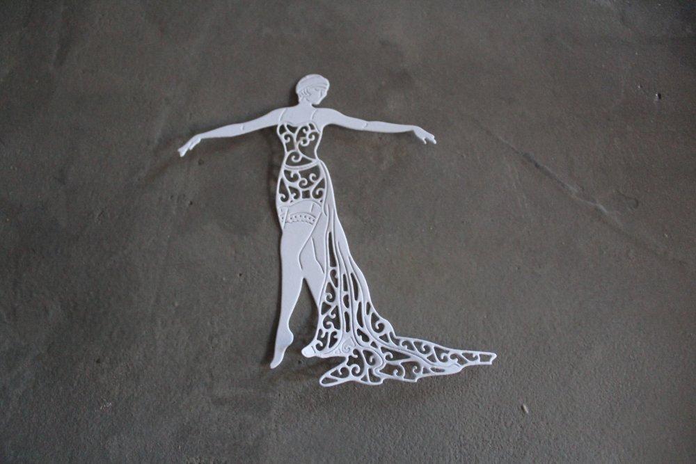 1874 - Découpe papier danseuse cabaret coloris blanc