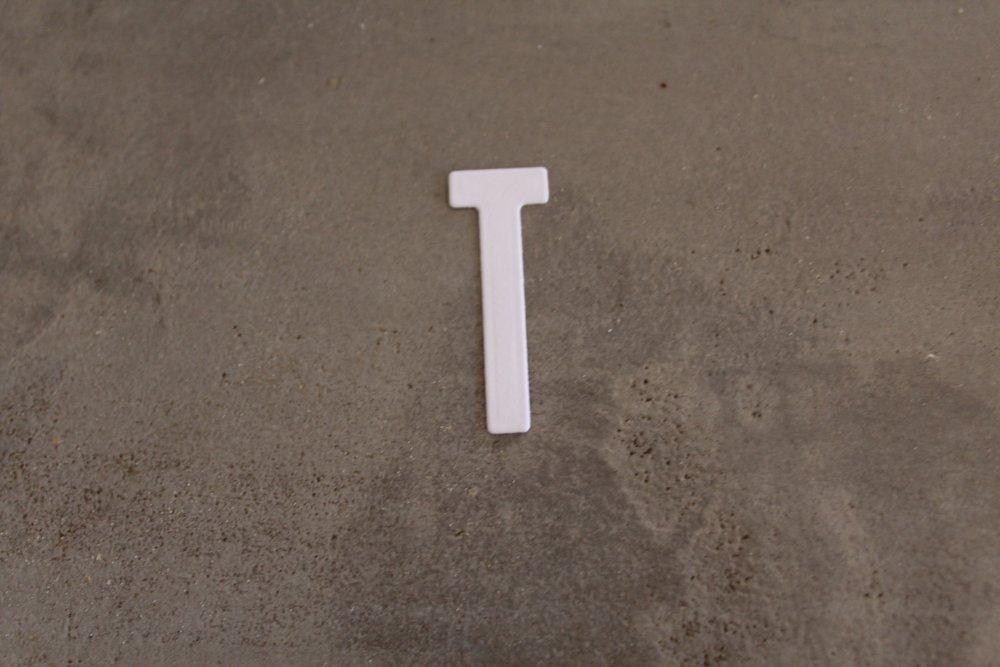 N/P 2240- ALPHABET : Découpe lettre bâton T pour scrapbooking, prénoms, mots, initiale