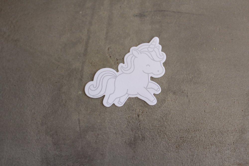 N/P 659 - Découpe papier, thème enfance - Embellissement licorne