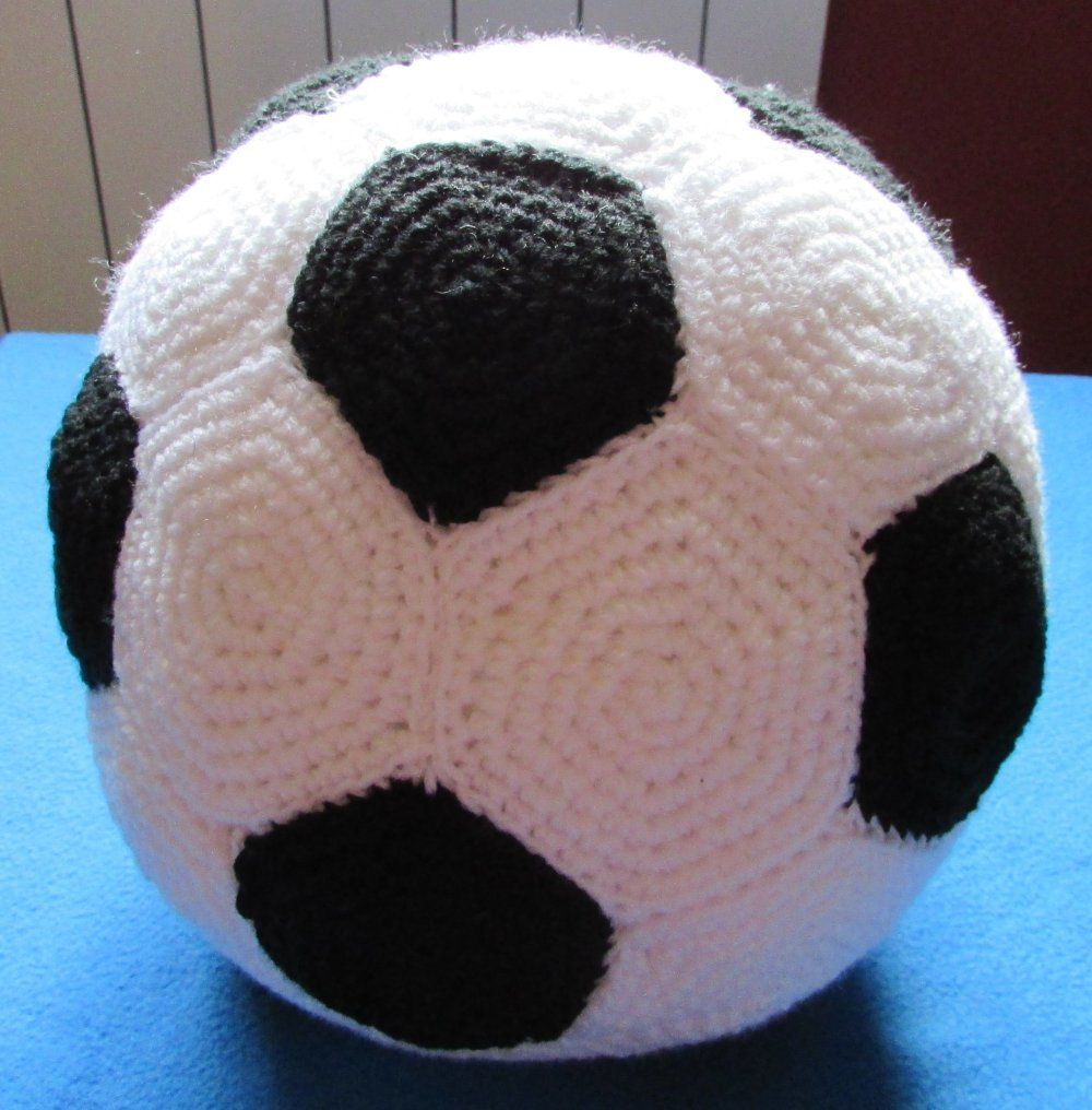 Ballon De Foot Au Crochet