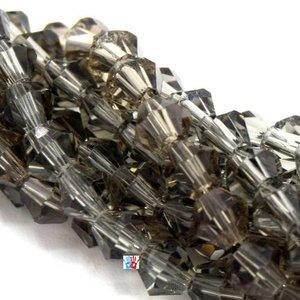 Chapelet de 118 perles en verre à facettes toupie 4mm ab vert