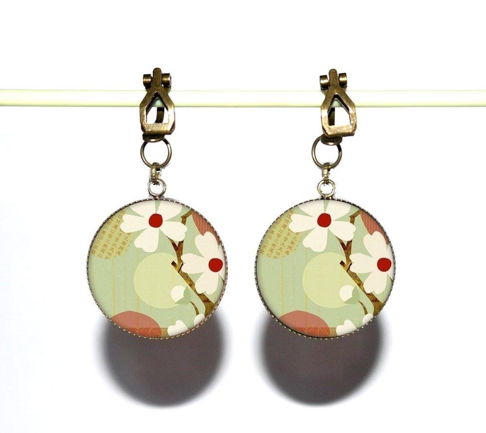 Clips d'oreilles bronze avec cabochons en résine * Fleurs du Japon * 3