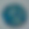 Cabochon avec son image de fleur liberty, bleu, en verre, rond, 20 mm
