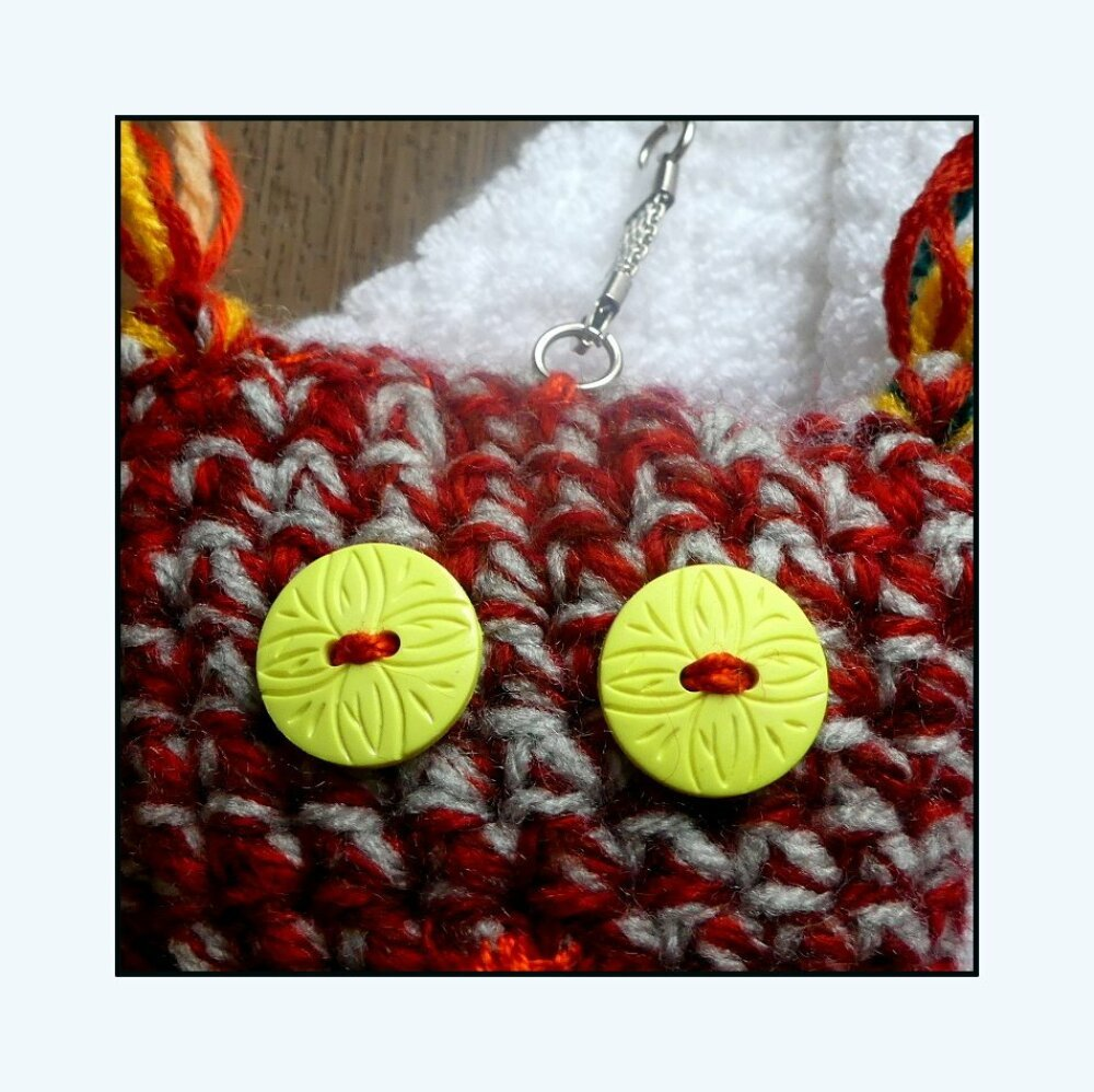 Porte-Clés rouge et gris en forme de chouette au crochet fait-main