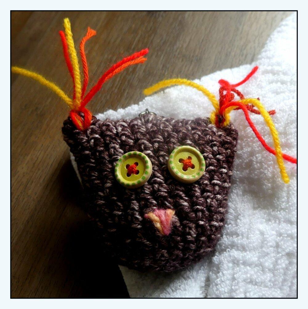 Porte-Clés prune en forme de chouette au crochet fait-main
