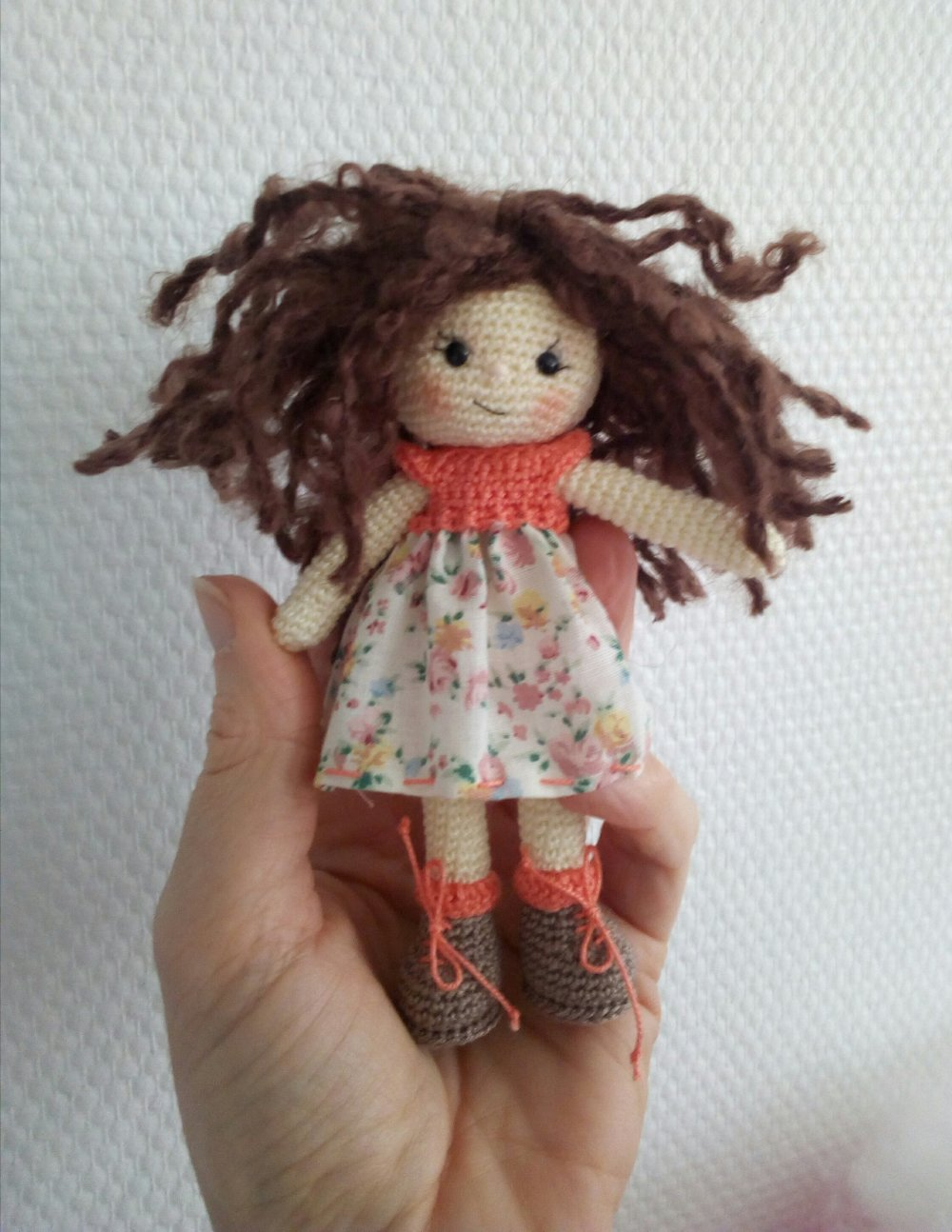 Petite poupéeau crochet petit bout de bonheur