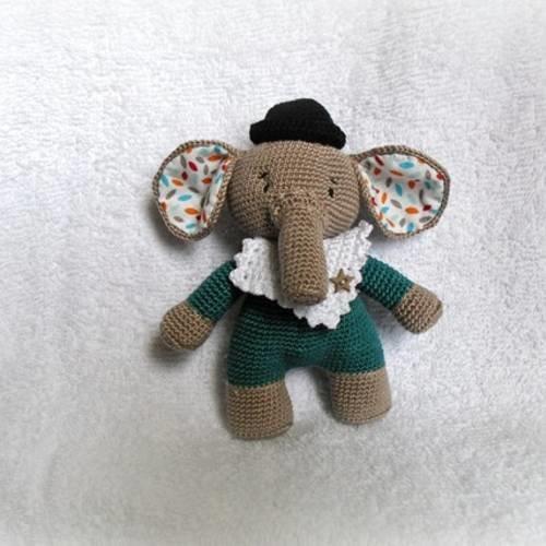 25 Easy Elephant Crochet Patterns that Make Great Gift ideas!   500x500