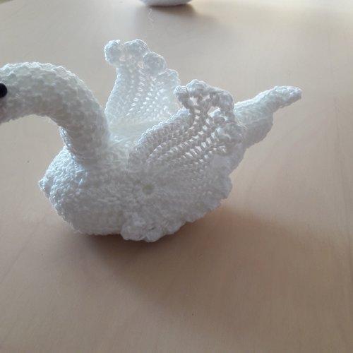 Cygnes Au Crochet Un Grand Marché
