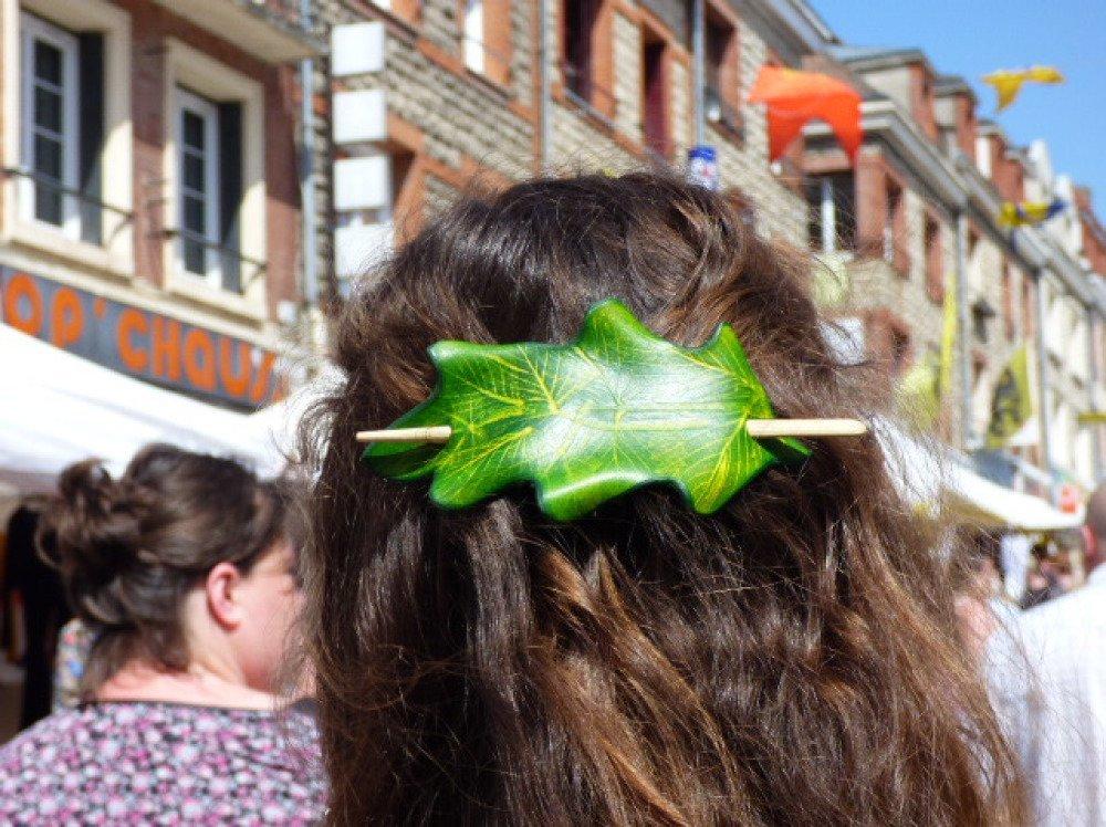 """Ornement pour cheveux: """"Feuille de cuir"""""""