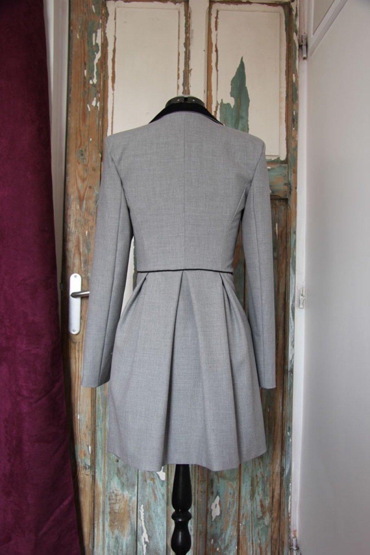 Veste grise longue à basque