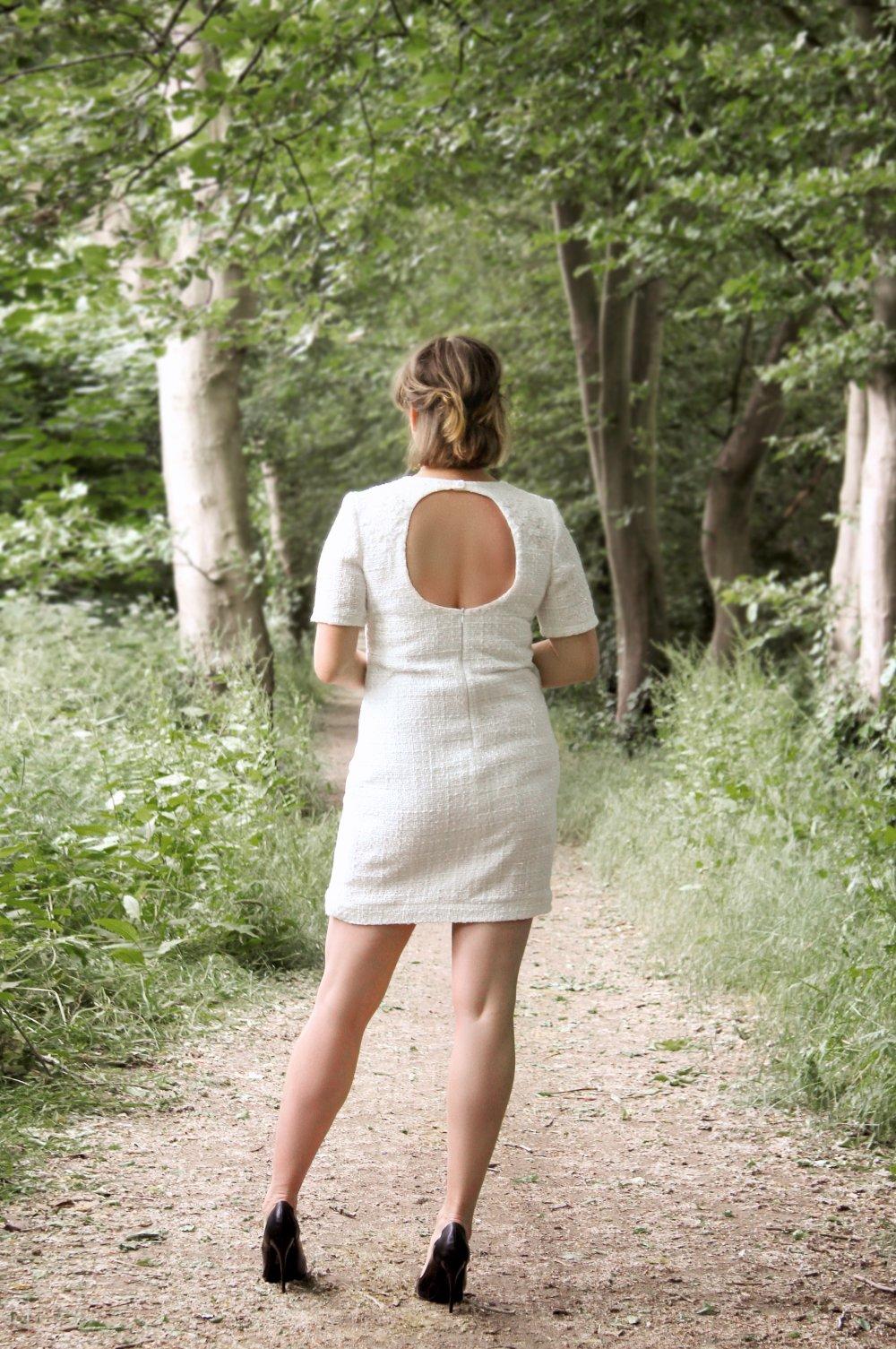 Robe Blanche En Tweed Simple Pour Mariage Un Grand Marche