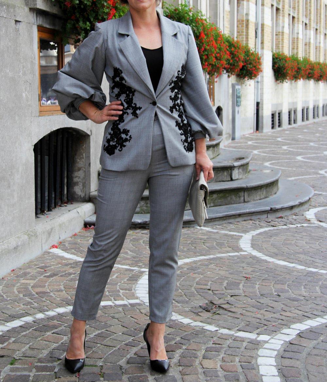 Tailleur pantalon grise à carreaux femme