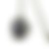 Collier fleurs noires et blanches, bijoux fleurs, motif abstrait,