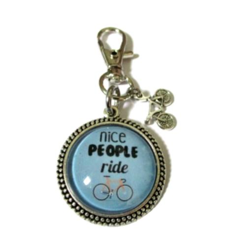 Porte clé nice people ride bicycle, porte clé vélo, cadeau fan de vélo,