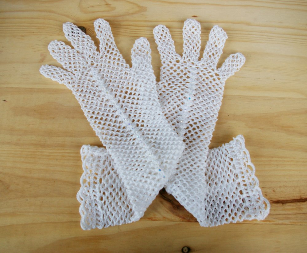 gants de mariage long dentelle motif resille au crochet avec cristal de Swarovski