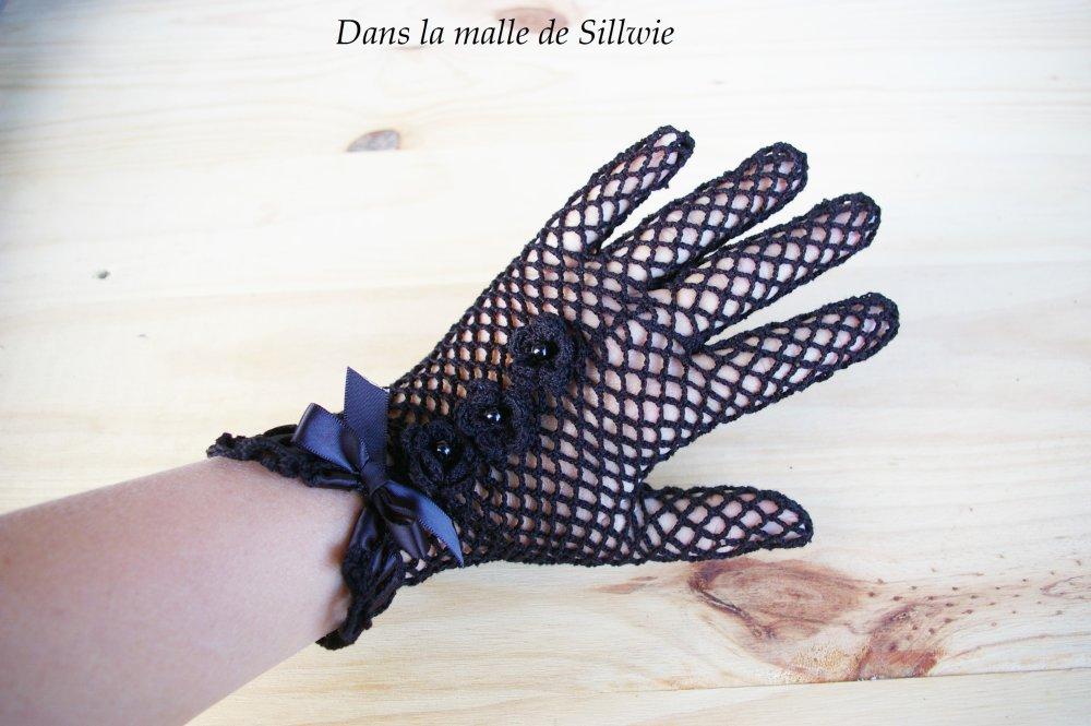 gants dentelle noirs au crochet et perle de verre