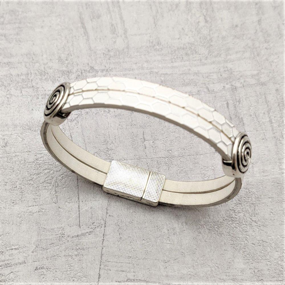 Bracelet simili cuir blanc