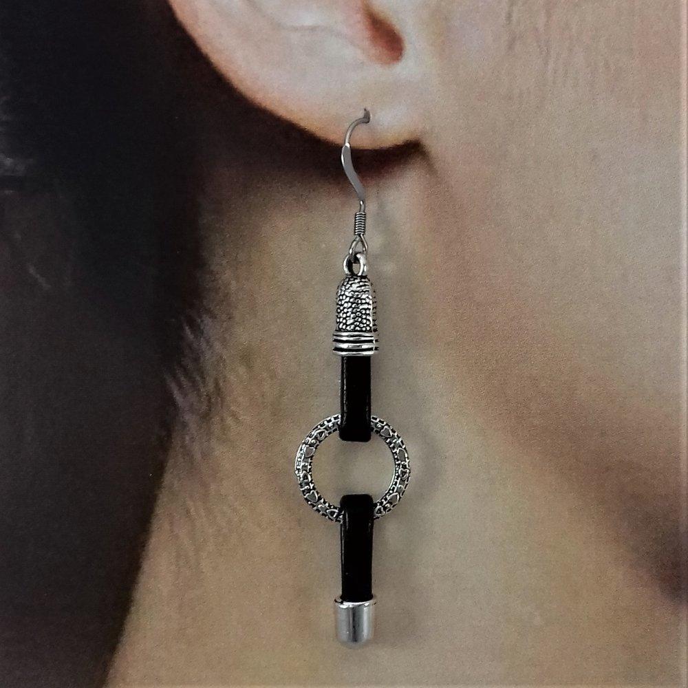 Boucles d'oreilles simili cuir noir