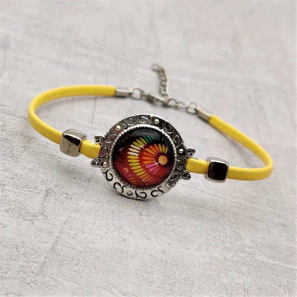 Bracelet simili cuir jaune connecteur cabochon multicolore