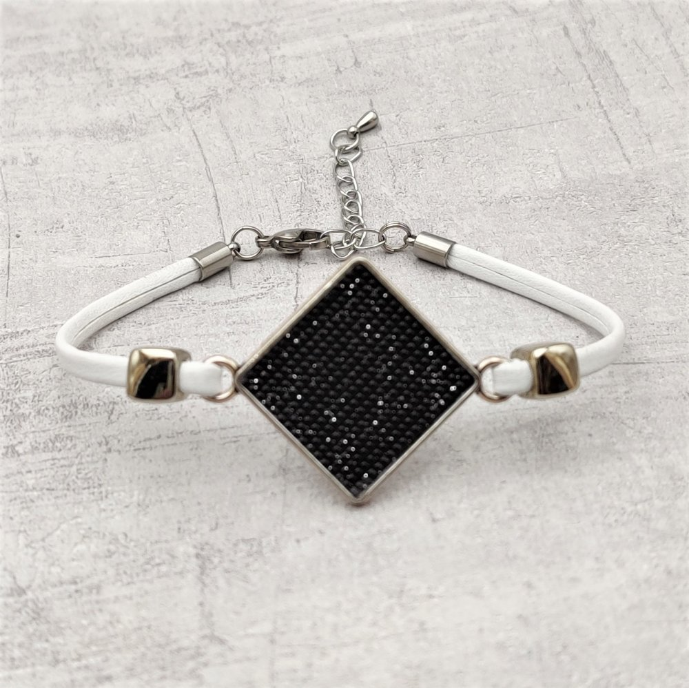 Bracelet simili cuir noir connecteur cabochon artisanal