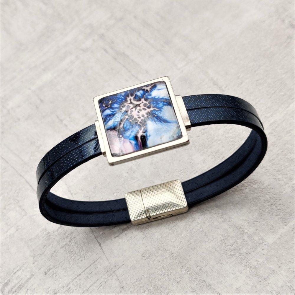 Bracelet simili cuir bleu connecteur multicolore