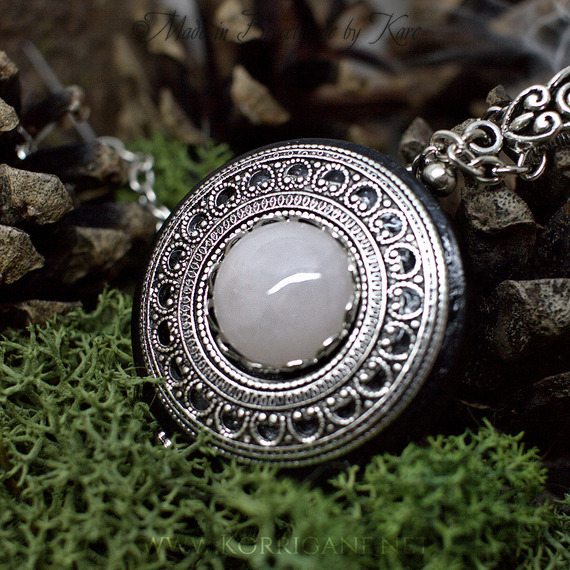 Collier de Protection Pendentif 'Amddiffyn' Bois Quartz Rose Talisman Amulette